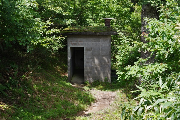 峠のトイレ