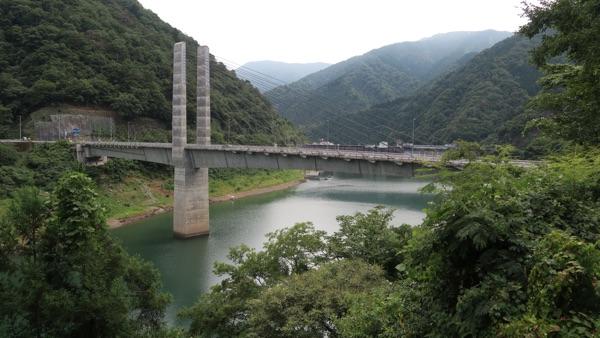 奥いび湖大橋1